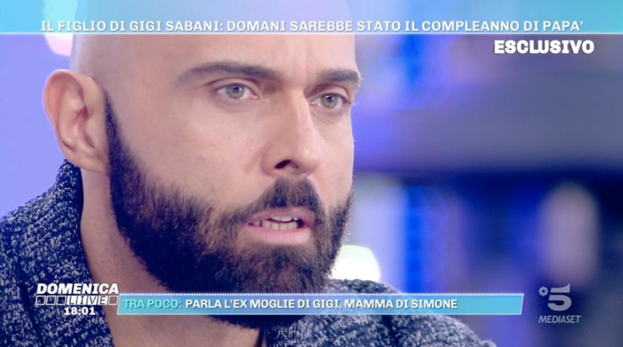 Simone Il Figlio Di Gigi Sabani Pesavo 170 Kg Domenica Live Mediaset Play