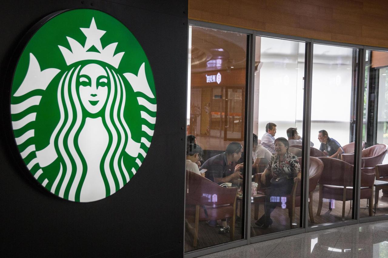 Starbuck, il personaggio da cui deriva il nome della catena ...