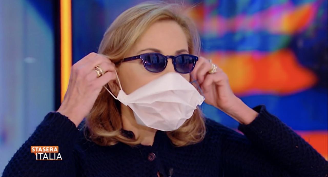 maschera viso per virus