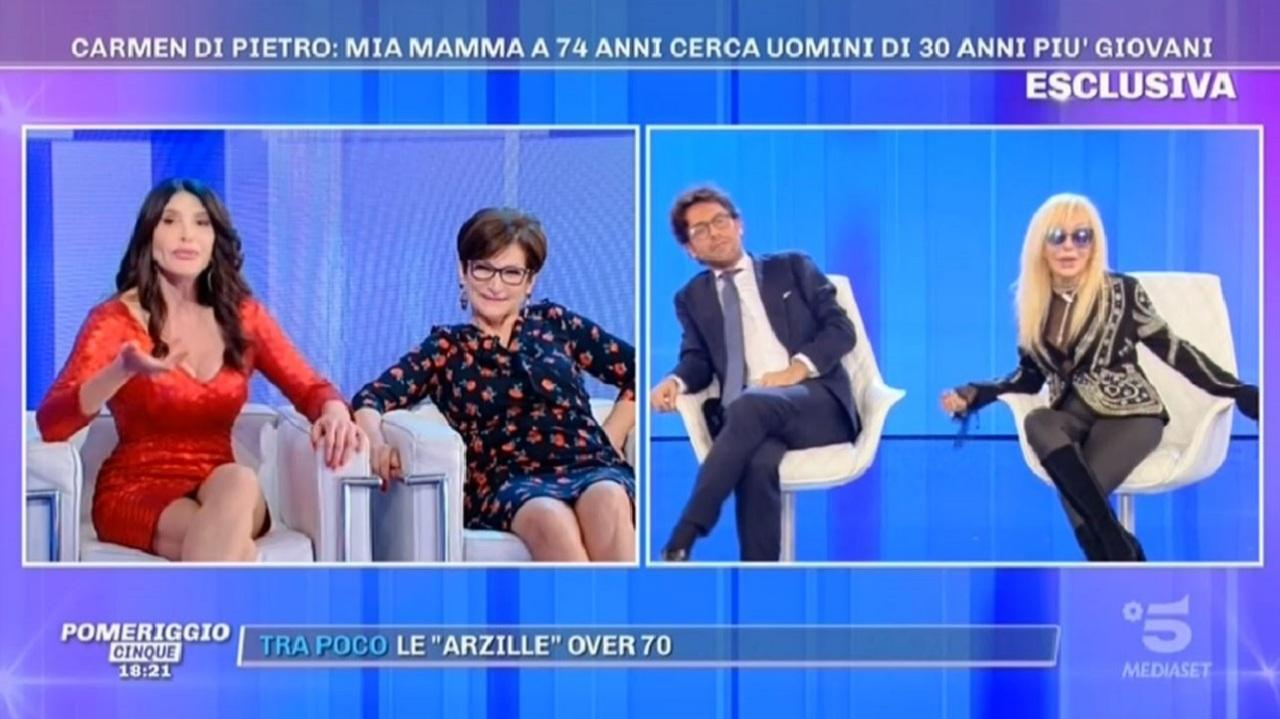 """Carmen Di Pietro a Wanda Fisher: """"Ha 70 anni e dice che ne ha 50 ..."""