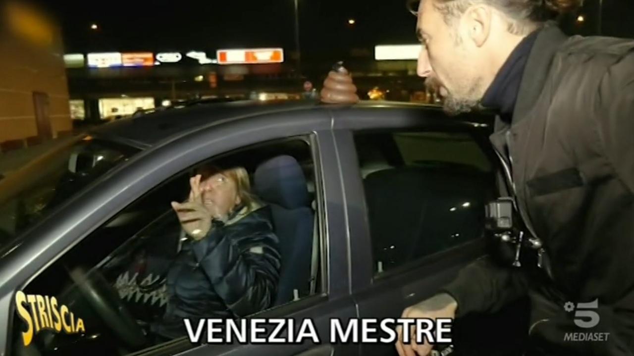 Mestre, Brumotti contro i parcheggiatori - Video Mediaset